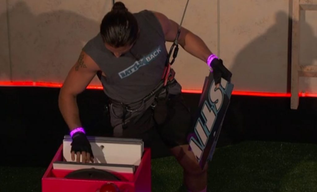 BB18_Ep15_BB4_VictorPieceHunting